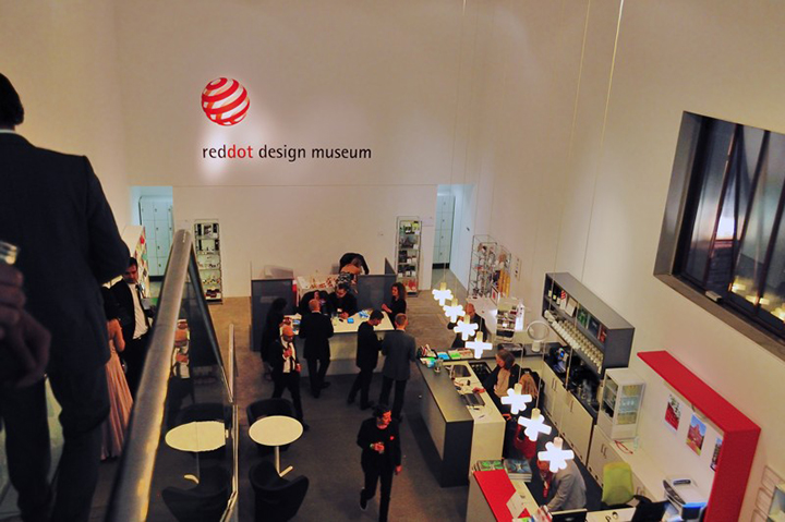 WOW!dea Team Goes to Essen of Germany for Red Dot Awards
